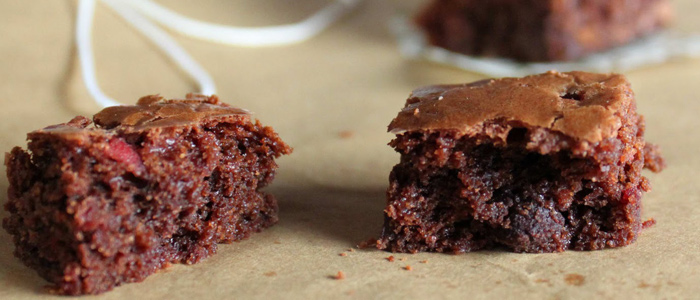 ... : Chocolate Kahlua Brownies with Whiskey-Soaked Cherries » Gozamos