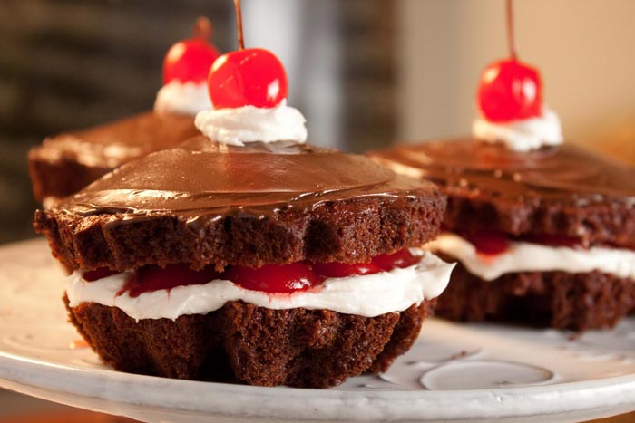 chocolate covered cherry cake 21 oz can cherry pie filling 3 ...