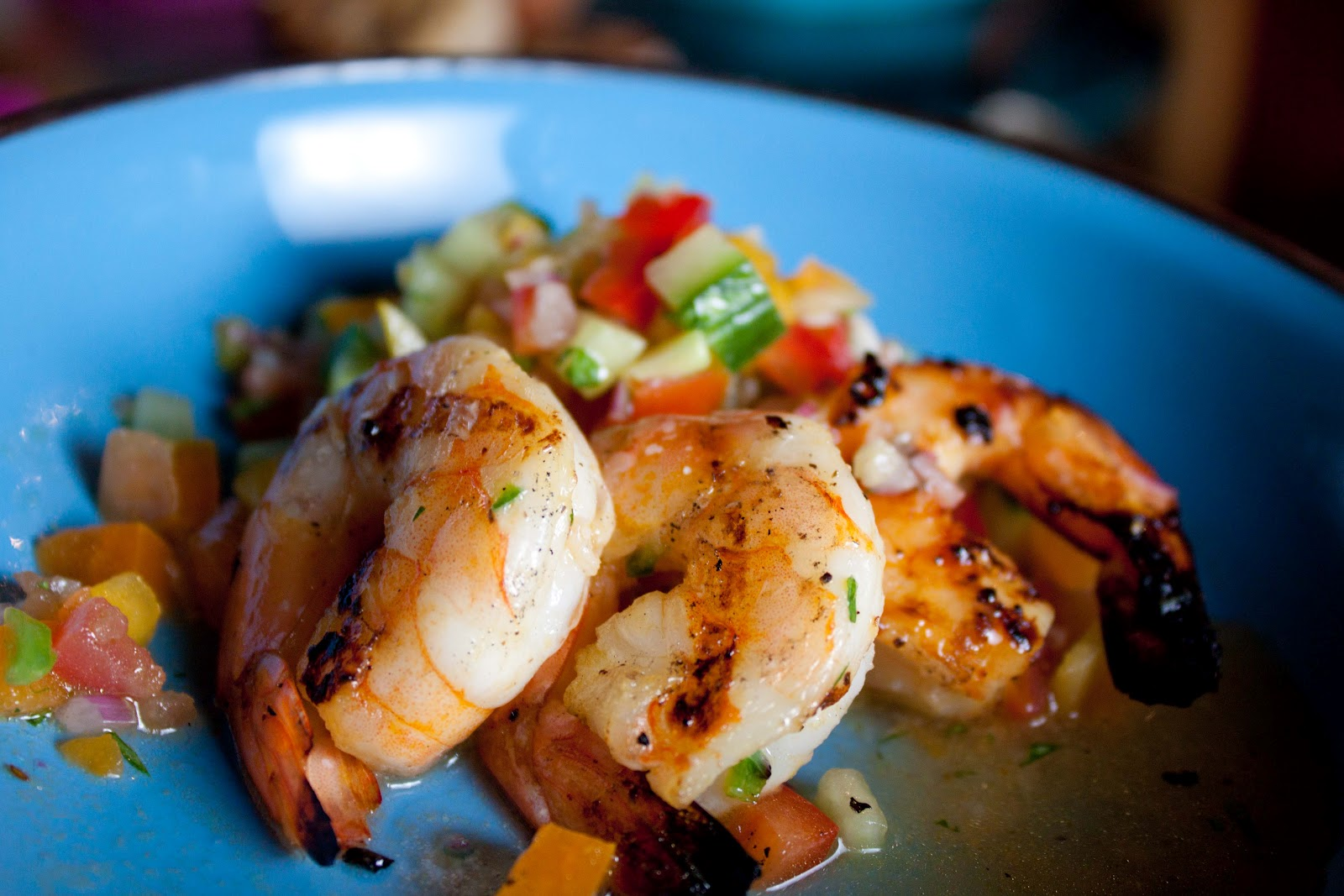 Fat & Happy: Gazpacho Salad with Jalapeño Shrimp » Gozamos
