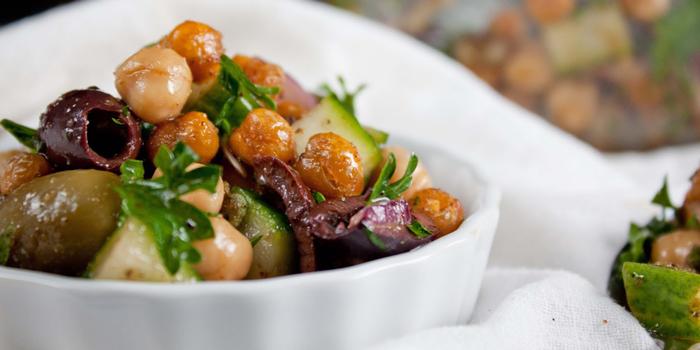 Crispy-Chickpea-Salad-2