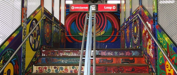 1024px-18th_St._L-Train_Entrance_with_Murals_-_Pilsen_Neighborhood_-_Chicago_-_Illinois_-_USA